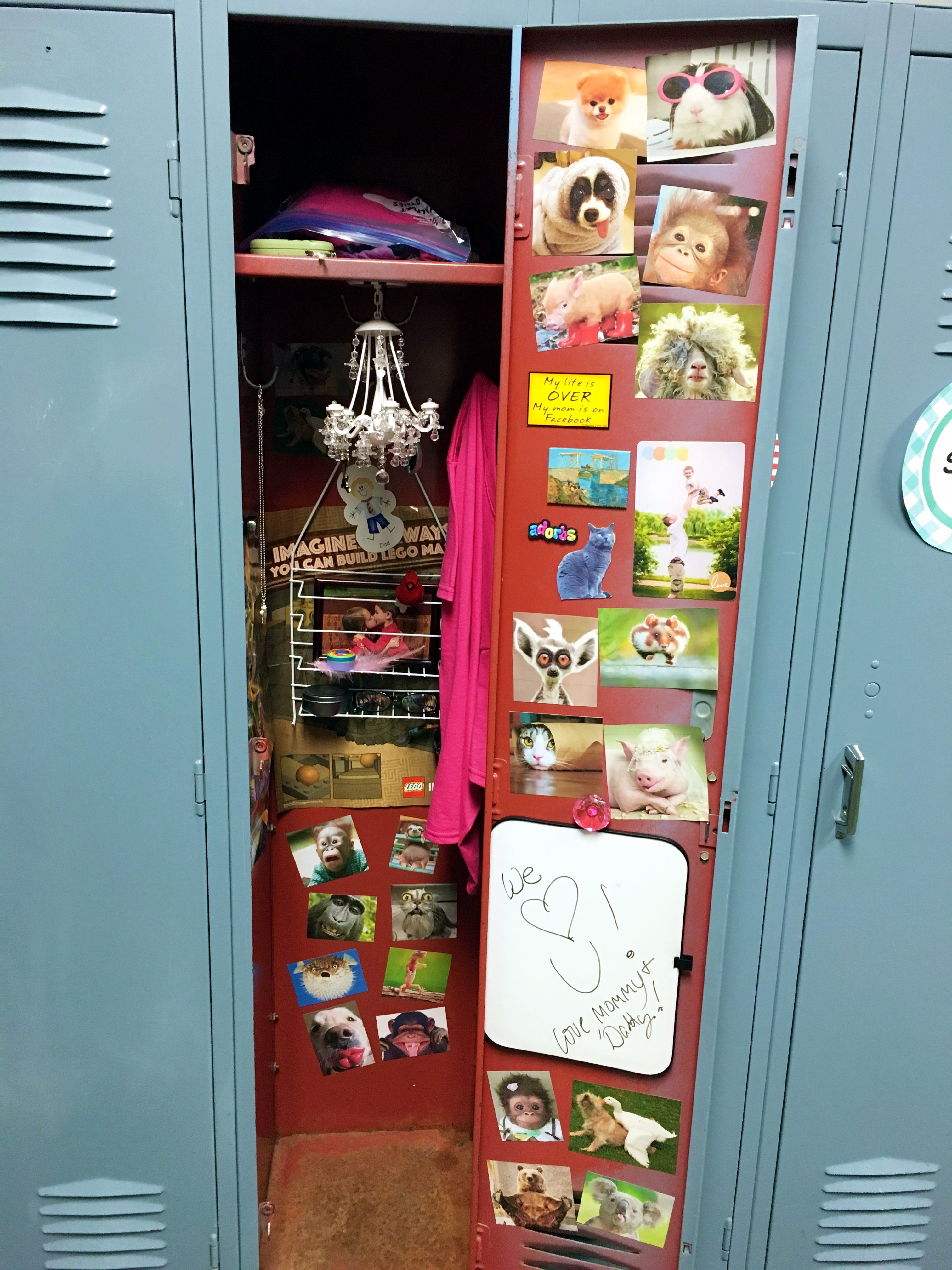 How to decorate your kid 39 s locker cheaply for Locker decorations you can make at home